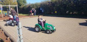 Motor tractors