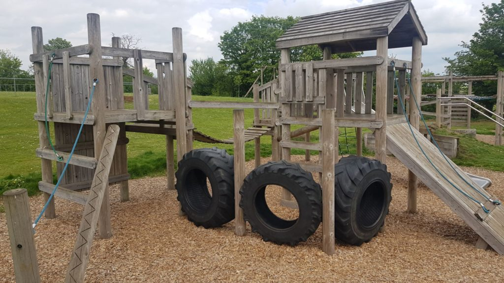 The bartons play park middle barton