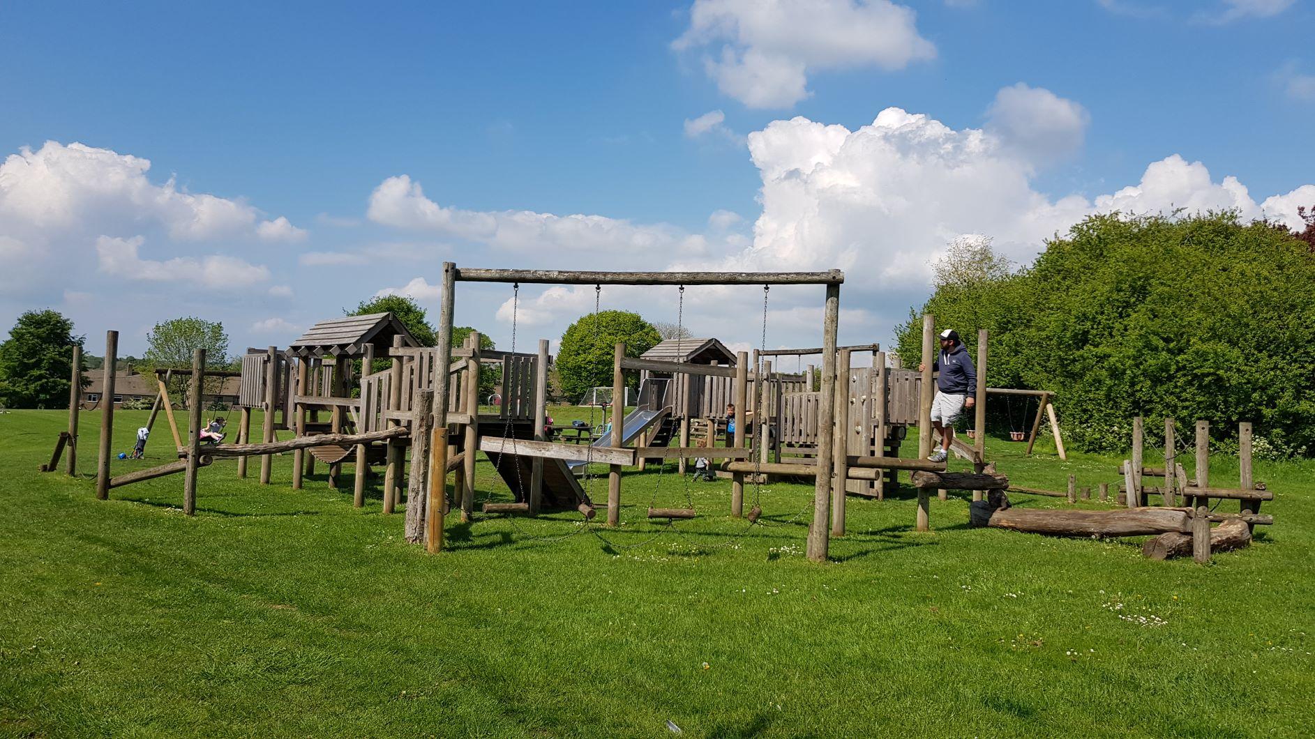 Charlbury play park