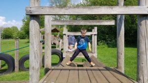 Balancing play frame