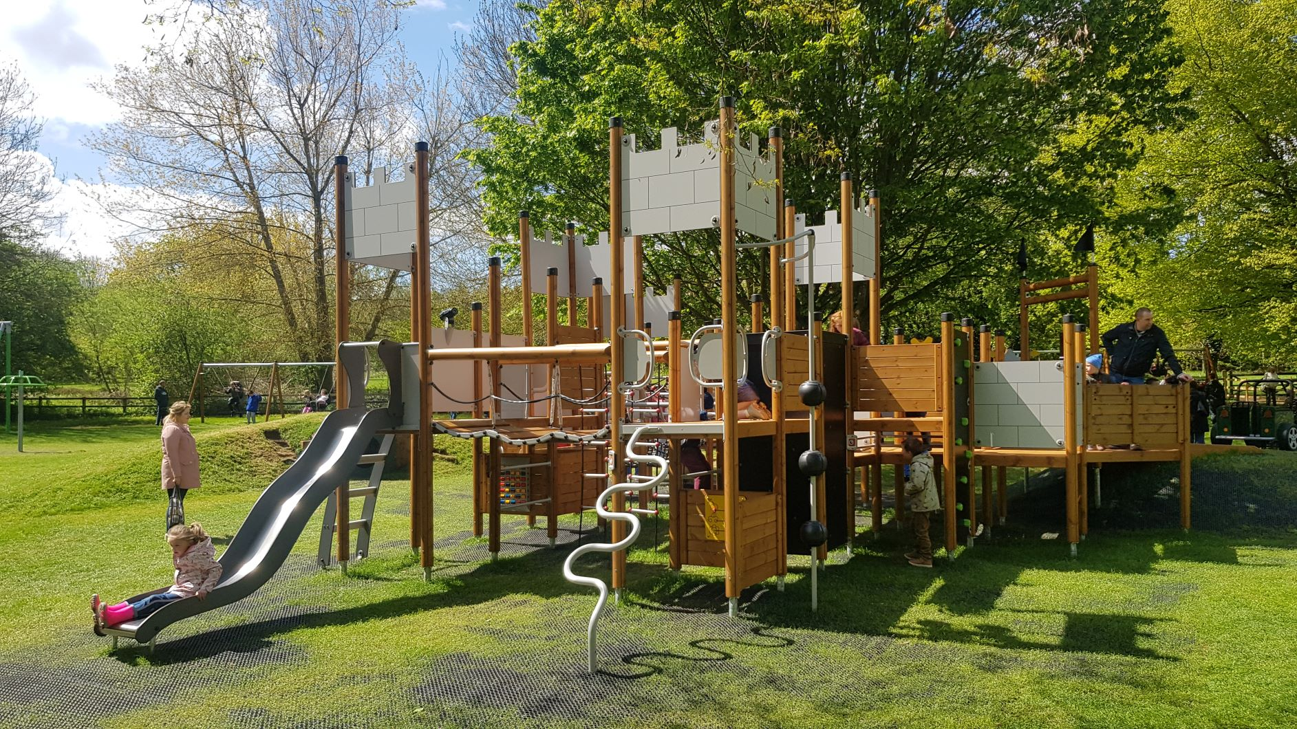 new play area at daventry country park