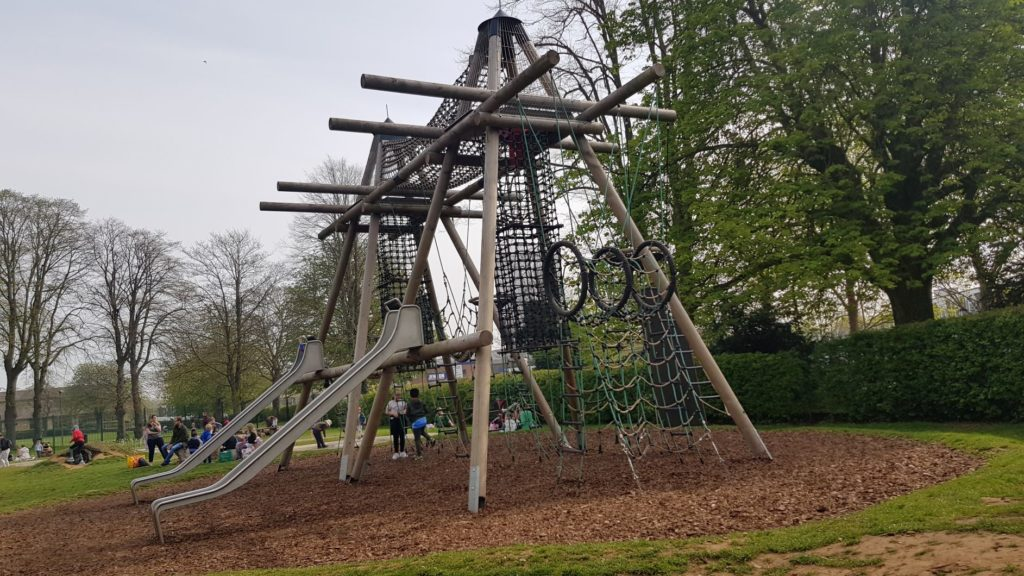 Witney play area the Leys