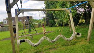 Rope swing play equipment