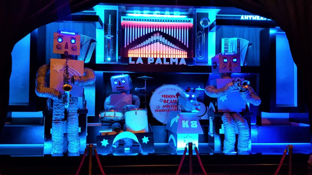 singing robots at watermouth castle