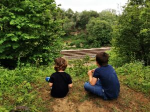Kids train spotting in Oxfordshire