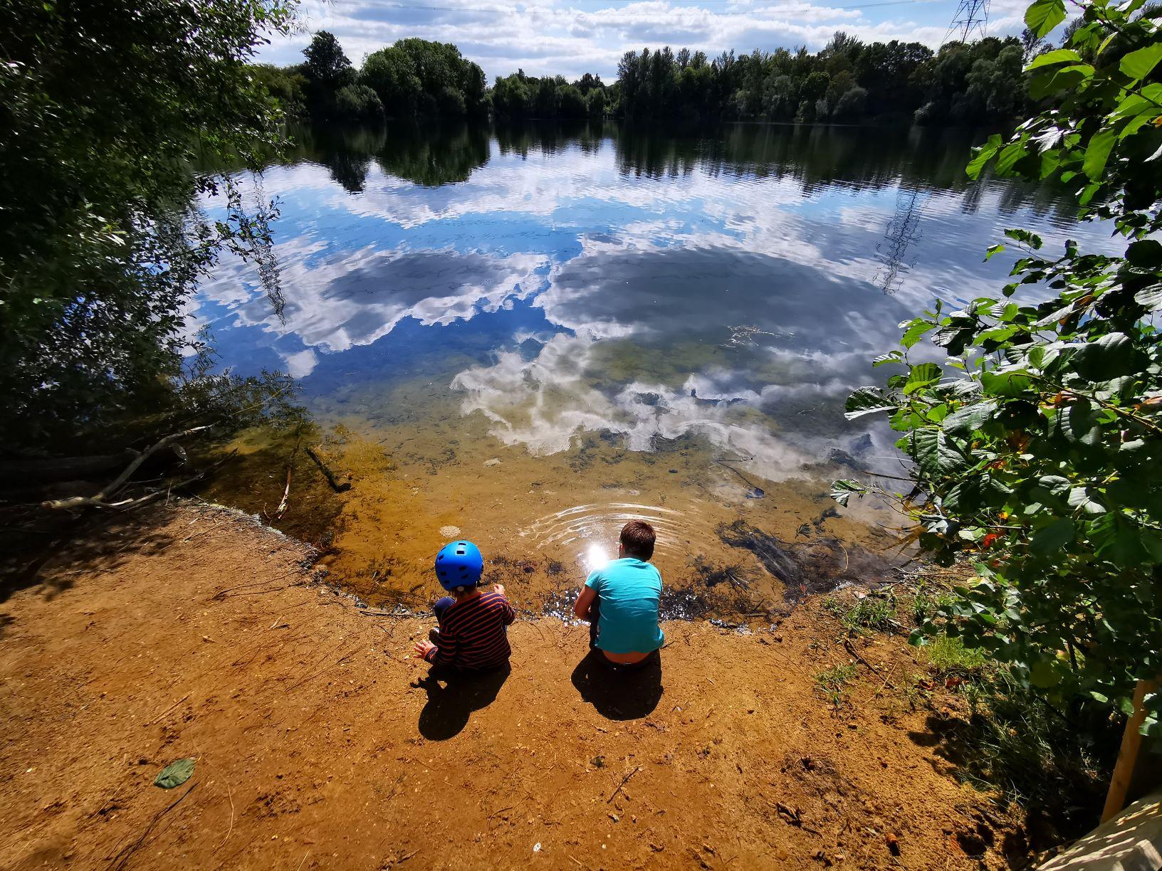 Tiddenfoot waterside park