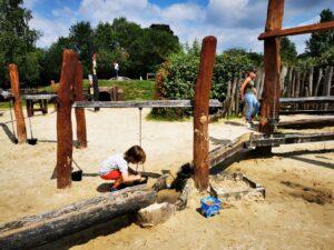 Hobbledown water play